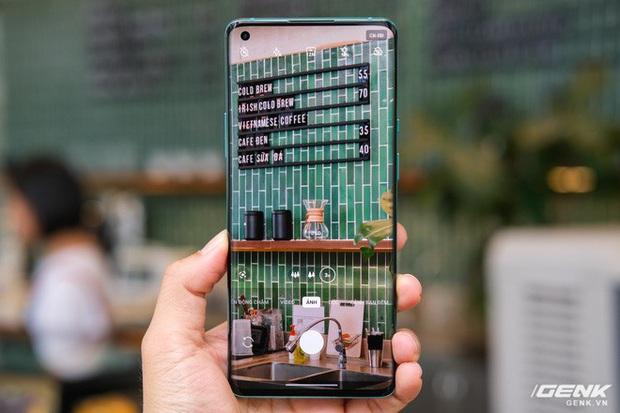 Cận cảnh OnePlus 8 Pro: Thiết kế đẹp, trang bị Snapdragon 865, màn hình 120 Hz chạy cùng độ phân giải QHD+, camera có filter Photochrom rất hay - Ảnh 10.