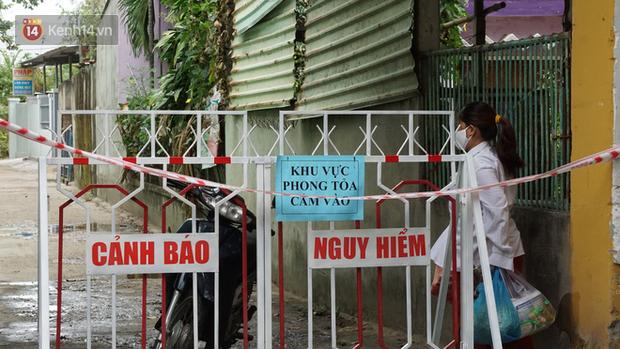 Lịch trình lui tới rất nhiều nơi đông người của 20 ca Covid-19 tại Đà Nẵng - Ảnh 1.
