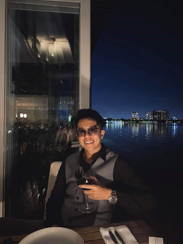 CEO Matt Liu khoe ảnh tay trong tay với Hương Giang kèm lời đường mật: Có thể ở cạnh nhau hay không là do ý em! - Ảnh 5.