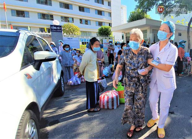 Tâm thư lúc 0 giờ của Giám đốc Bệnh viện C Đà Nẵng khi được dỡ lệnh phong tỏa khiến nhiều người xúc động - Ảnh 5.