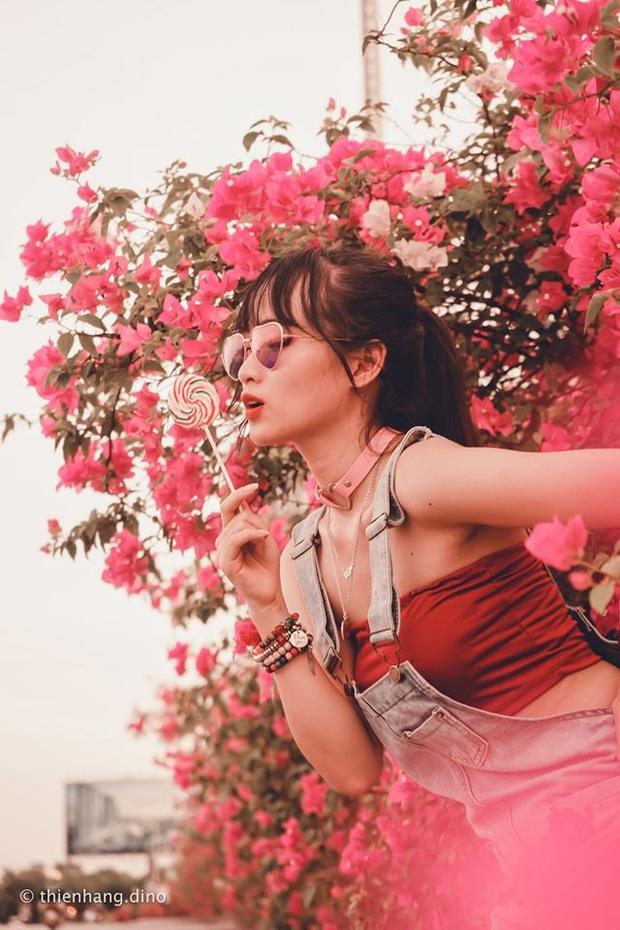 Gần Hà Nội lại có thêm một cây cầu hoa giấy, chụp lên ảnh đẹp như tranh vẽ - Ảnh 5.