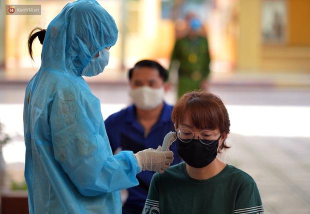 Ảnh: Hà Nội bắt đầu xét nghiệm PCR đối với người trở về từ Đà Nẵng - Ảnh 5.