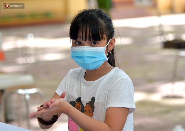 Ảnh: Hà Nội bắt đầu xét nghiệm PCR đối với người trở về từ Đà Nẵng - Ảnh 9.