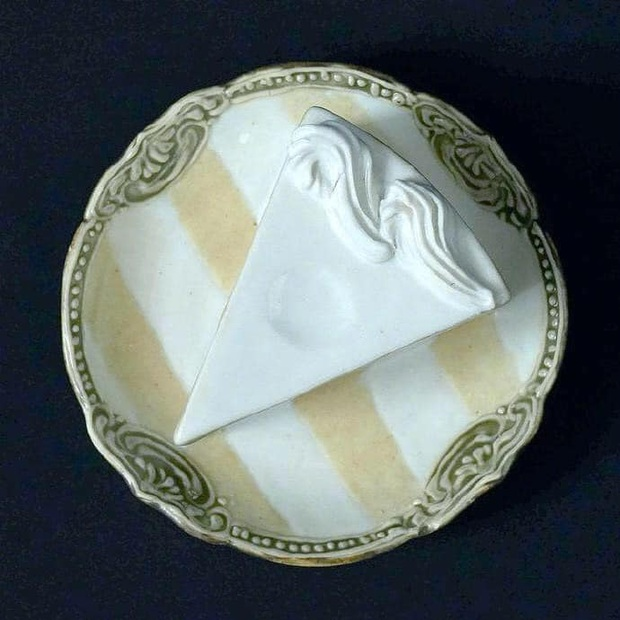 Thêm một phát minh của người Nhật chứng tỏ sự cầu kỳ từ những điều nhỏ nhất: Chiếc đĩa hình bánh kem chỉ để... ăn dâu - Ảnh 3.