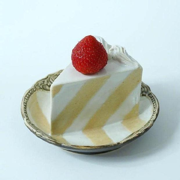 Thêm một phát minh của người Nhật chứng tỏ sự cầu kỳ từ những điều nhỏ nhất: Chiếc đĩa hình bánh kem chỉ để... ăn dâu - Ảnh 4.