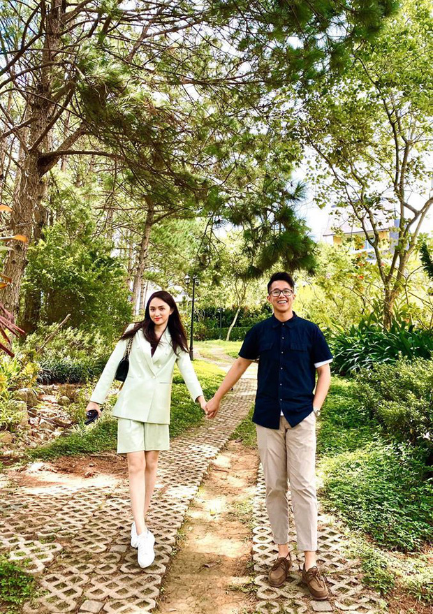 CEO vừa thành đôi với Hương Giang: Du lịch cực sang chảnh, mê golf và thích đi du ngoạn Việt Nam bằng siêu xe - Ảnh 12.