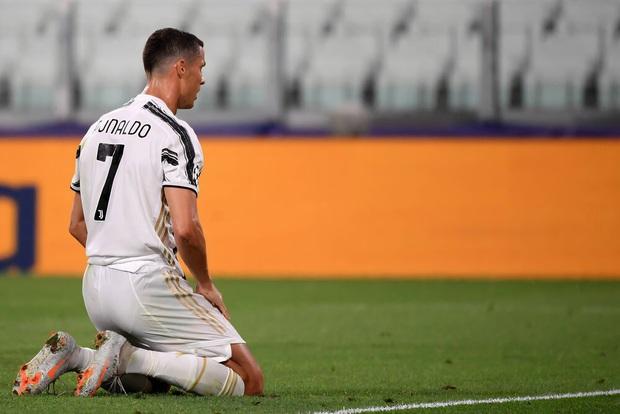 Ronaldo lập thành tích ghi bàn chưa từng có cho Juventus trong ngày đội nhà bị loại sốc tại Champions League - Ảnh 3.