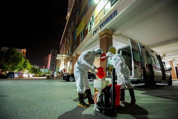 Hà Nội phong tỏa chung cư có bệnh nhân nhiễm Covid-19 tại Hoài Đức trong đêm - Ảnh 2.