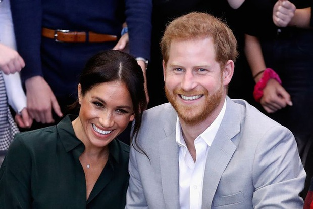 Tiết lộ sinh nhật lặng lẽ của Meghan Markle: Hoàn toàn vắng bóng bạn thân trong khi hoàng gia Anh được cho là bị phớt lờ - Ảnh 1.