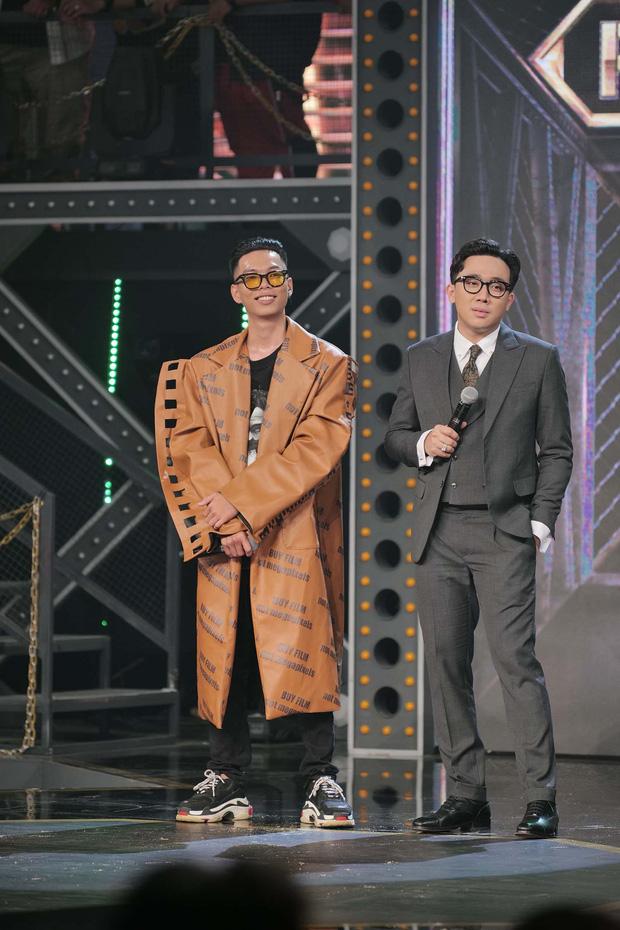 Với hơn nửa triệu lượt view, tập 2 Rap Việt là show thực tế có lượng người xem cùng lúc cao nhất Việt Nam mọi thời đại! - Ảnh 13.