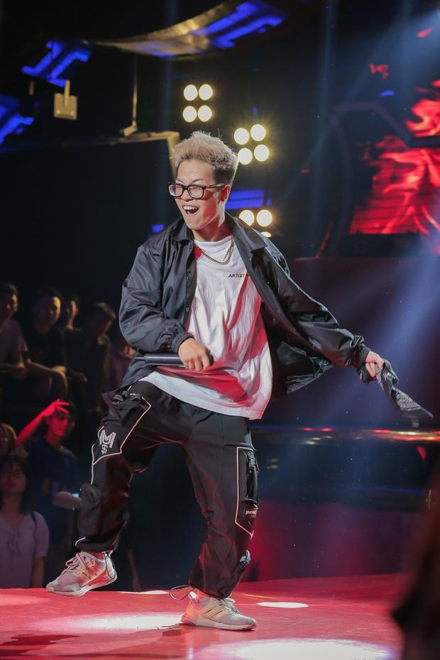 King Of Rap: Nữ rapper 17 tuổi Pháo được 4 chọn với tiết mục chơi chữ cực ngầu Sợ quá cơ - Ảnh 12.