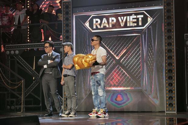 Với hơn nửa triệu lượt view, tập 2 Rap Việt là show thực tế có lượng người xem cùng lúc cao nhất Việt Nam mọi thời đại! - Ảnh 11.