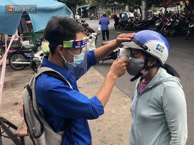 Lịch trình của 2 ca nhiễm Covid-19 vừa công bố ở Quảng Nam: Người là nhân viên quán bar, gặp mặt bạn bè tại resort, đi siêu thị, người bán tạp hóa - Ảnh 1.