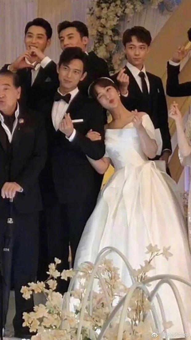 Cảnh cameo siêu hot của Lý Hiện - Dương Tử ở Cá Mực Hầm Mật 2 vừa lộ, bà con hí hửng: Lời đồn đám cưới thành sự thật rồi! - Ảnh 2.