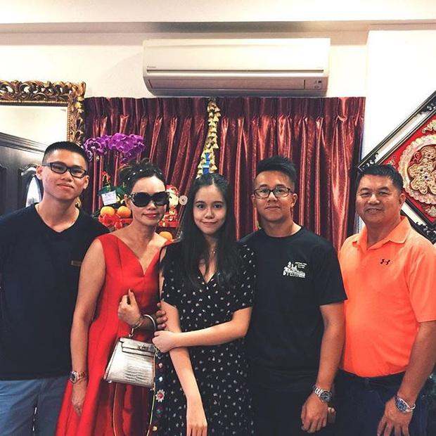 Mẹ của Matt Liu có bộ sưu tập túi hiệu chuẩn đại gia, xem chừng hợp cạ với con dâu tương lai Hương Giang quá đi thôi - Ảnh 4.