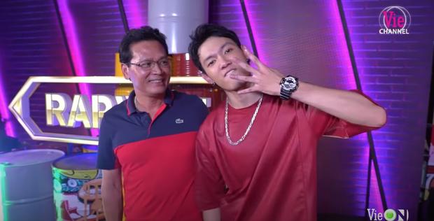 Khoảnh khắc viral của Rap Việt thuộc về Tage: Làm cool boy với cả thế giới nhưng lại là good boy của ba - Ảnh 3.