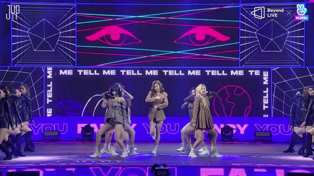 Concert online vòng quanh thế giới của TWICE: Hát live như bật đĩa, sân khấu 18 thành viên đầy ảo diệu khiến fan trầm trồ - Ảnh 20.