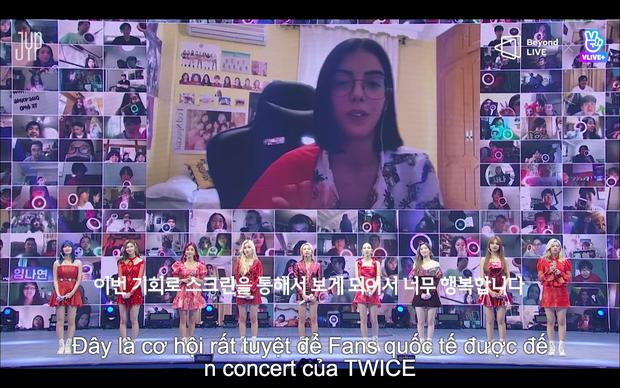 Concert online vòng quanh thế giới của TWICE: Hát live như bật đĩa, sân khấu 18 thành viên đầy ảo diệu khiến fan trầm trồ - Ảnh 91.