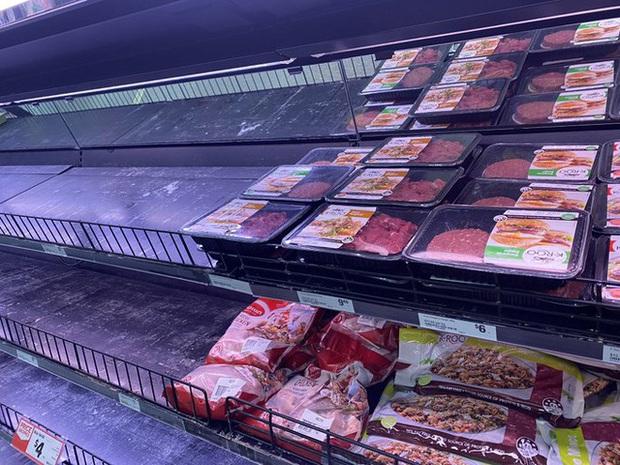 Người dân Australia càn quét các siêu thị mua thực phẩm trong mùa dịch Covid-19 nhưng lại bỏ qua thịt kangaroo - Ảnh 1.