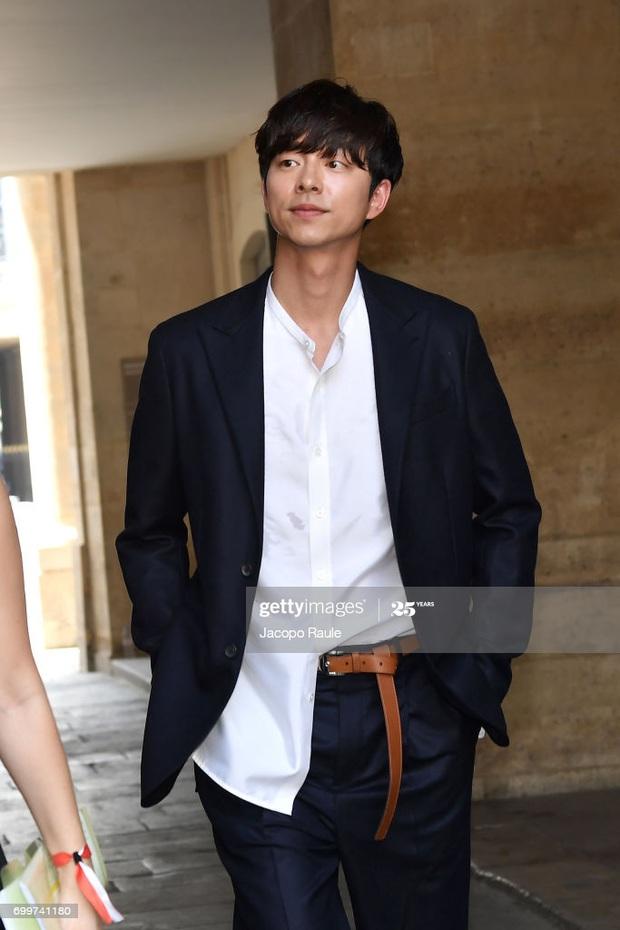 Hot lại ảnh tài tử Train to Busan Gong Yoo tại trời Tây: Hiếm sao Hàn đô đến mức dìm cầu thủ Mỹ, khách mời người Pháp phải lén nhìn - Ảnh 8.
