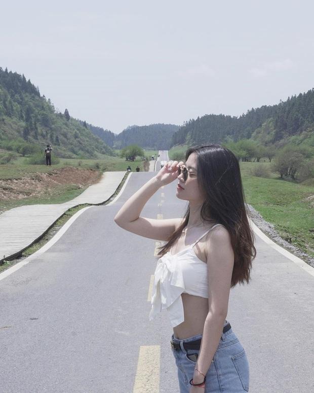 """Lác mắt trước """"con đường nhún nhảy"""" độc nhất thế giới ở Trung Quốc, nhìn từ xa chẳng khác nào dải lụa giữa thảo nguyên - Ảnh 16."""