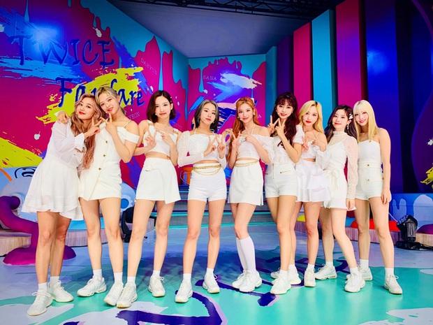 30 girlgroup Kpop hot nhất hiện nay: TWICE đáng lo ngại, BLACKPINK ra sao trước sự bứt phá của Red Velvet, (G)I-DLE? - Ảnh 9.