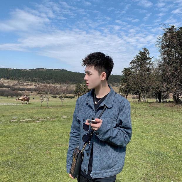 """Lác mắt trước """"con đường nhún nhảy"""" độc nhất thế giới ở Trung Quốc, nhìn từ xa chẳng khác nào dải lụa giữa thảo nguyên - Ảnh 24."""