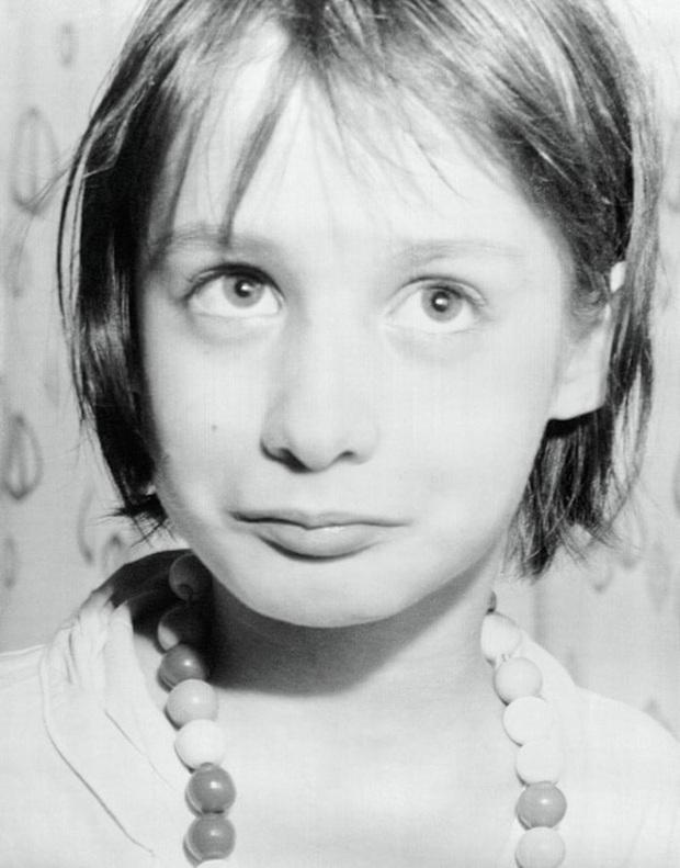 Cuộc đời khốn khổ của cô bé hoang dã Genie Wiley: Bị lạm dụng, tra tấn và bỏ rơi rồi trở thành đối tượng nghiên cứu trong khoa học - Ảnh 1.