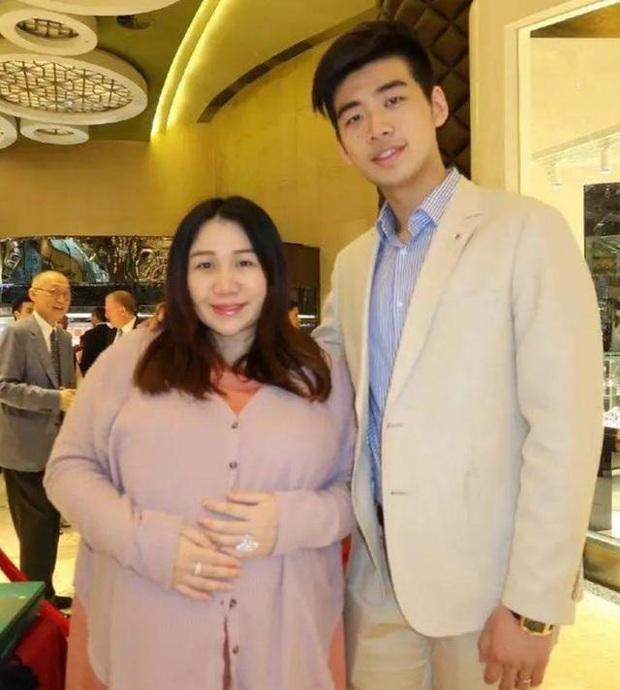 Ái nữ trùm sòng bạc Macau gây sốt khi lấy lại vóc dáng mi nhon hậu giảm cân, tái xuất Cbiz sau hơn 1 năm lấy chồng Harvard - Ảnh 7.