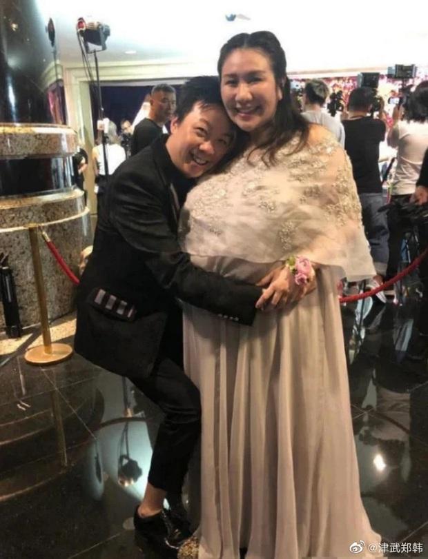 Ái nữ trùm sòng bạc Macau gây sốt khi lấy lại vóc dáng mi nhon hậu giảm cân, tái xuất Cbiz sau hơn 1 năm lấy chồng Harvard - Ảnh 6.