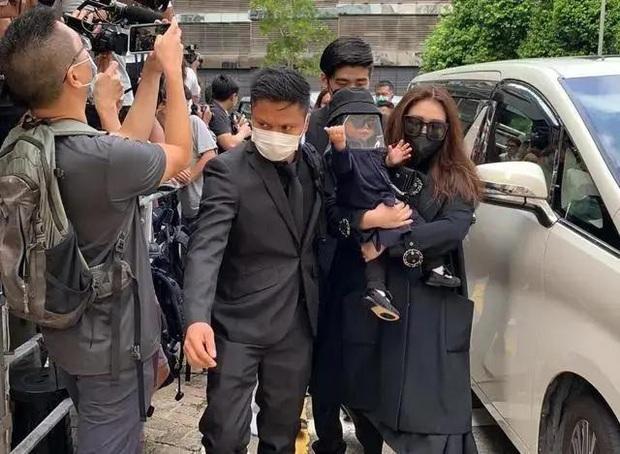 Ái nữ trùm sòng bạc Macau gây sốt khi lấy lại vóc dáng mi nhon hậu giảm cân, tái xuất Cbiz sau hơn 1 năm lấy chồng Harvard - Ảnh 8.