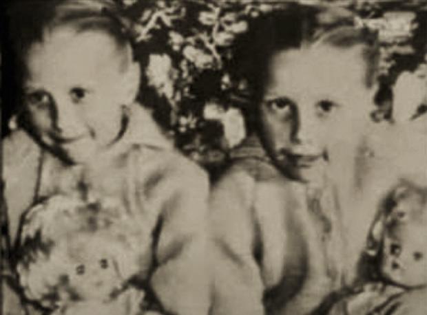 Cặp sinh đôi kỳ lạ: Sống cùng với ký ức của 2 người chị quá cố, giống đến cả nỗi sợ hãi và cách ăn không ai giải thích được - Ảnh 2.