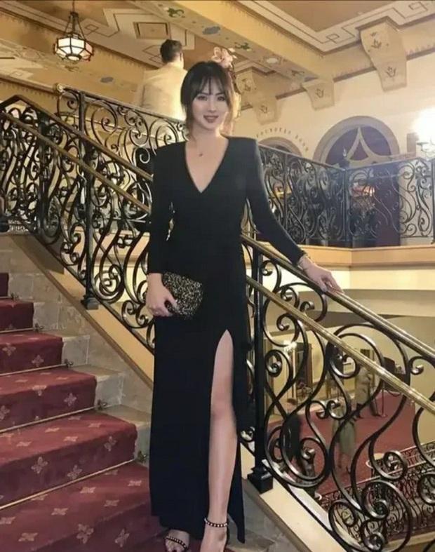 Loạt ảnh ái nữ của ông trùm Huawei: Học giỏi, bình dị nhưng khi khoác lên chiếc váy dạ hội lập tức trở thành công chúa kiều diễm vạn người mê - Ảnh 3.