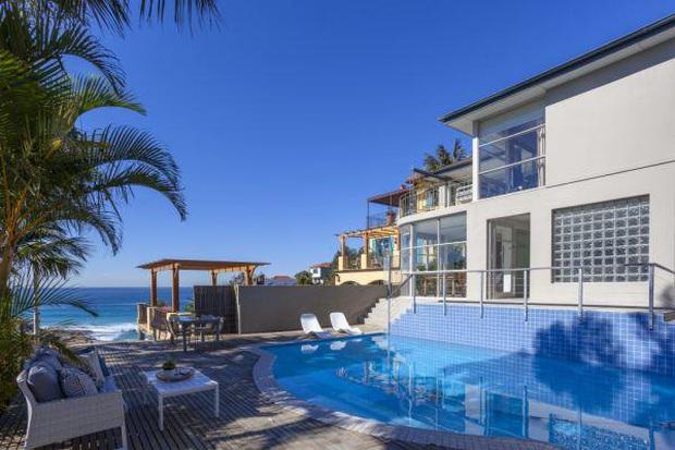 Thăm ngàn chăm chỉ, streamer nổi tiếng tậu villa view biển trị giá hàng trăm tỷ đồng! - Ảnh 3.