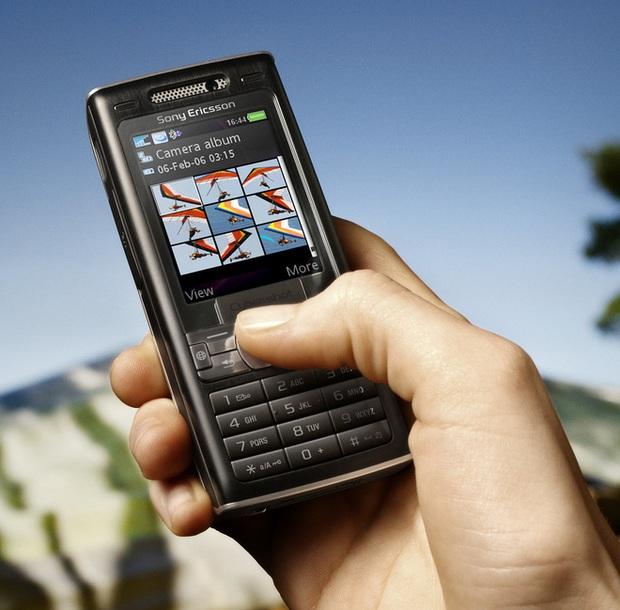 Nhìn lại Sony Ericsson K800: Chiếc điện thoại vừa ngầu vừa đa tài, bằng chứng cho một thời huy hoàng của Sony Ericsson - Ảnh 4.