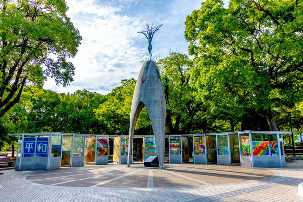 1.000 con hạc giấy và điều ước nhỏ mãi không thành hiện thực của bé gái 12 tuổi mắc bệnh bom nguyên tử Hiroshima đã làm thay đổi cả thế giới - Ảnh 8.