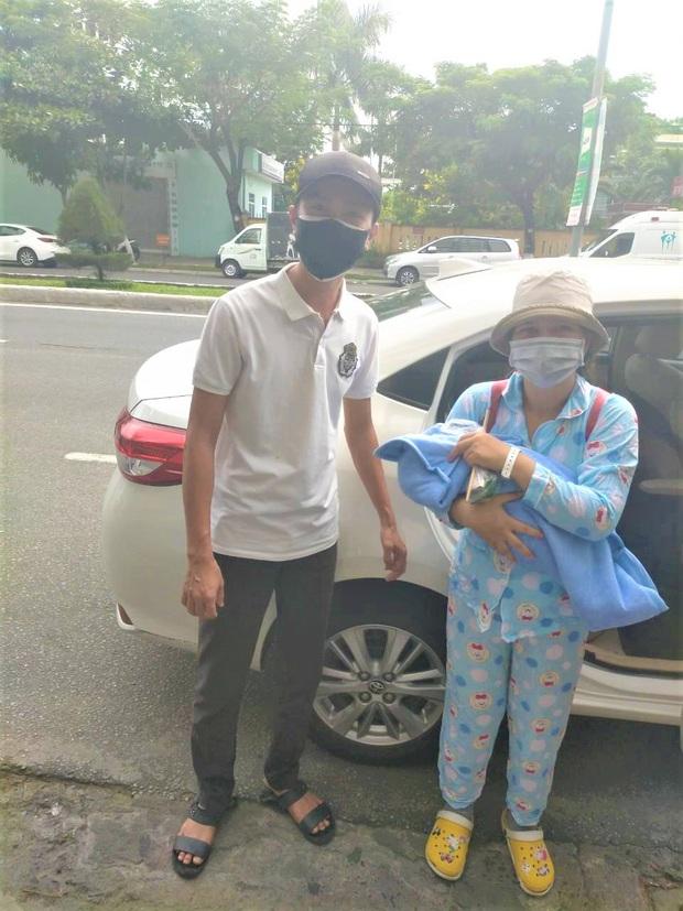 Ấm lòng đội xe chuyên chở bà bầu đi sinh miễn phí giữa tâm dịch Covid-19 ở Đà Nẵng - Ảnh 2.