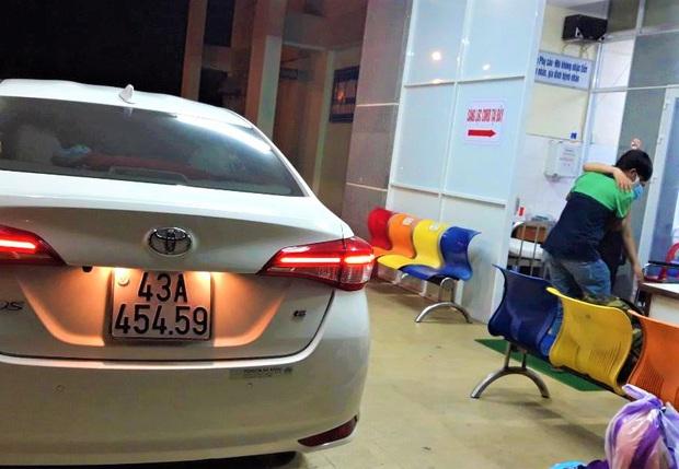 Ấm lòng đội xe chuyên chở bà bầu đi sinh miễn phí giữa tâm dịch Covid-19 ở Đà Nẵng - Ảnh 1.