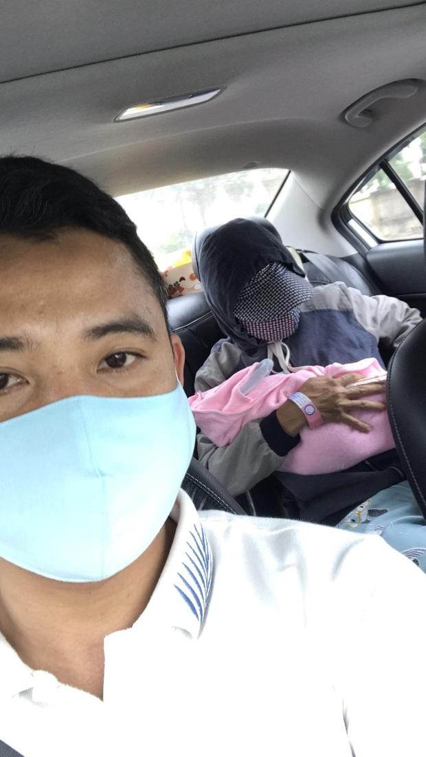 Ấm lòng đội xe chuyên chở bà bầu đi sinh miễn phí giữa tâm dịch Covid-19 ở Đà Nẵng - Ảnh 3.
