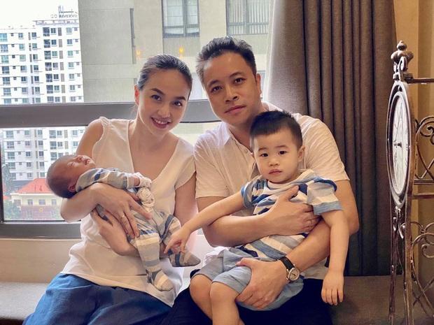 Đinh Ngọc Diệp không thoát phận đẻ thuê, khoe ảnh gia đình nhưng netizen chỉ dán mắt vào 2 nhóc tỳ giống bố y đúc - Ảnh 2.