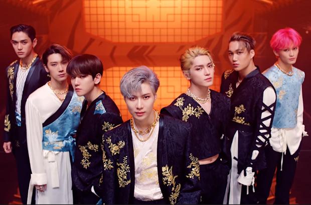 SuperM tung MV cho single dọn đường thứ 2, rất mãn nhãn nhưng netizen soi ngay ra trang phục lại na ná BLACKPINK? - Ảnh 3.
