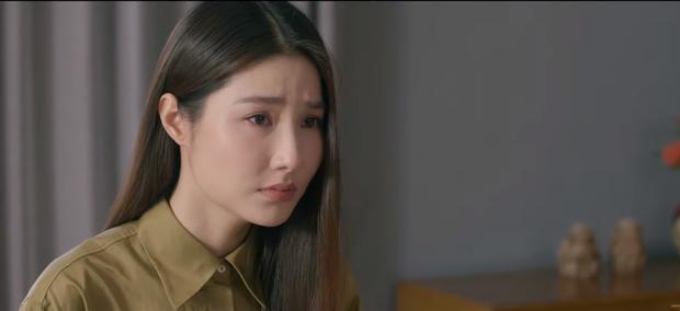 Netizen sôi máu xem màn kết nạp anh trai mưa của Diễm My 9x ở Tình Yêu Và Tham Vọng - Ảnh 1.