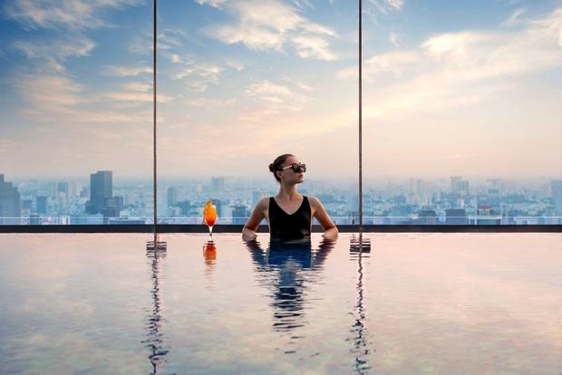 """Hàng loạt khách sạn 5 sao sang chảnh nhất Sài Gòn đồng loạt giảm giá """"sốc"""" dịp Lễ 2/9, có nơi rẻ hơn một nửa so với ngày thường - Ảnh 9."""