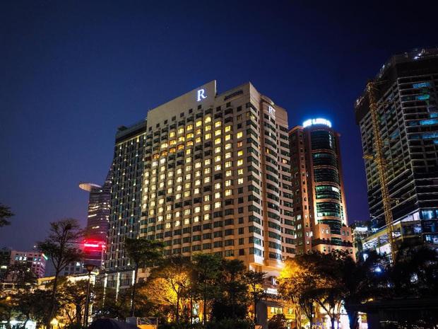 """Hàng loạt khách sạn 5 sao sang chảnh nhất Sài Gòn đồng loạt giảm giá """"sốc"""" dịp Lễ 2/9, có nơi rẻ hơn một nửa so với ngày thường - Ảnh 12."""