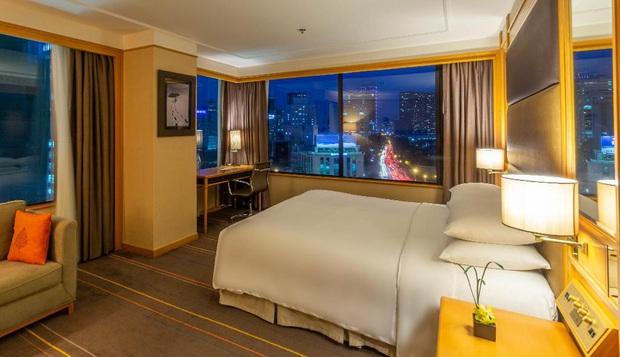 """Hàng loạt khách sạn 5 sao sang chảnh nhất Sài Gòn đồng loạt giảm giá """"sốc"""" dịp Lễ 2/9, có nơi rẻ hơn một nửa so với ngày thường - Ảnh 13."""