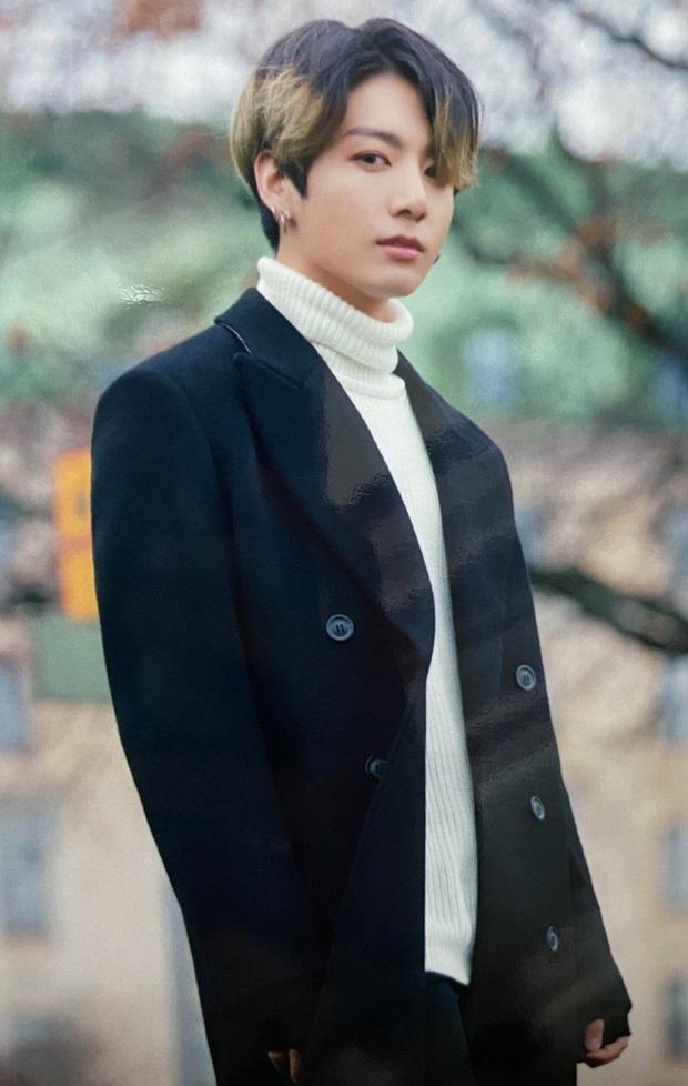 Tuổi 24 của Jungkook (BTS): Là em út vàng đã giỏi toàn diện còn đẹp trai, đón sinh nhật bằng No.1 Billboard Hot 100 siêu to khổng lồ! - Ảnh 10.