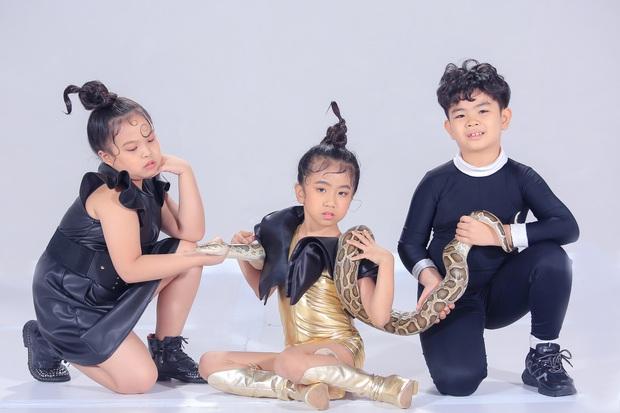 HHen Niê mang giày hơn 100 triệu VNĐ hoá Lọ Lem chấm thi Siêu Mẫu Nhí - Ảnh 4.