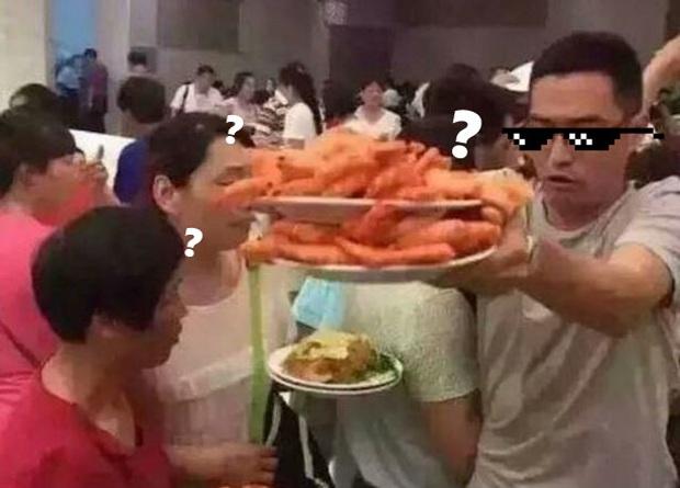 Vì sao các nhà hàng buffet vẫn sống tốt dù thực khách ăn thùng uống chậu? - Ảnh 2.