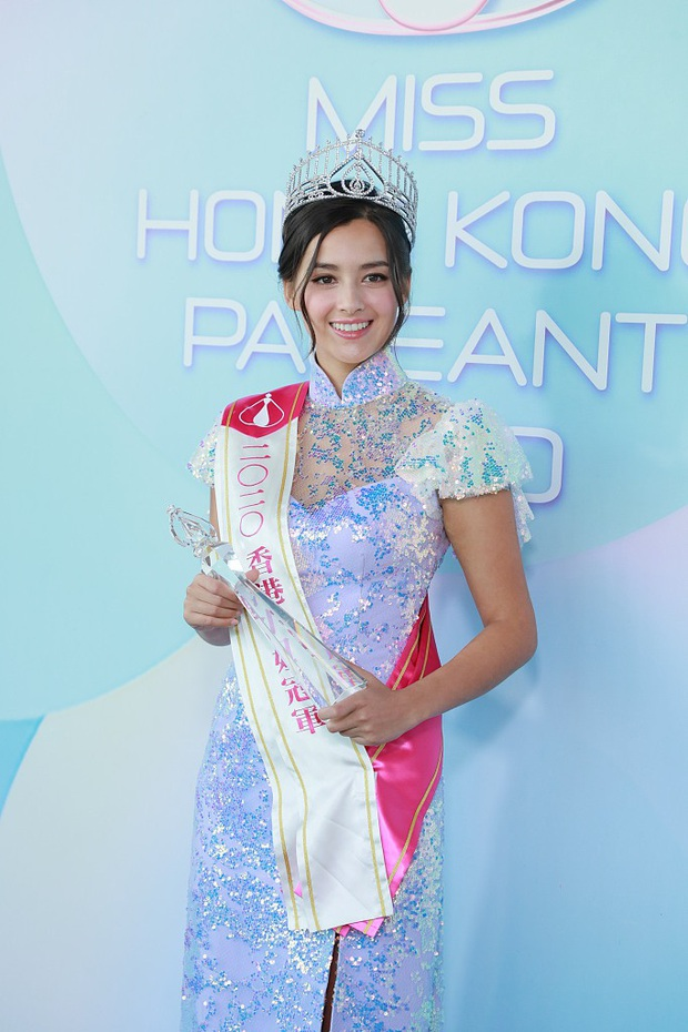 Tranh cãi khoảnh khắc tân Hoa hậu Hong Kong chiều cao hạn chế, lọt thỏm giữa dàn Á hậu trong sự kiện ra mắt đầu tiên - Ảnh 6.