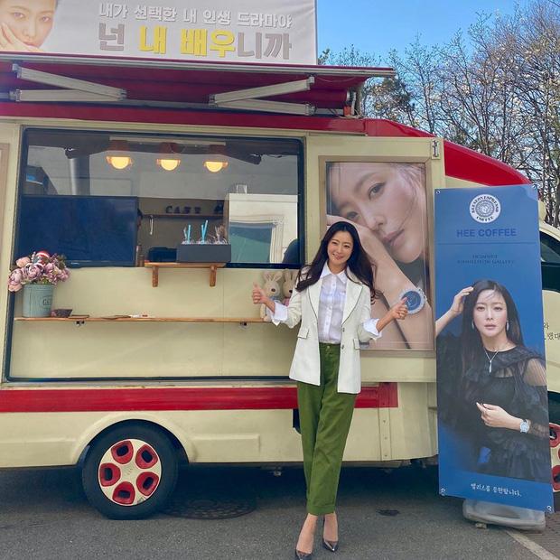 Kim Hee Sun 43 tuổi mà vẫn trẻ xinh chẳng thua đàn em, bí quyết chống già chỉ nằm ở 2 điều - Ảnh 14.